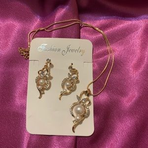 "💕""Gold pearl"" pendant with earrings set 💕"
